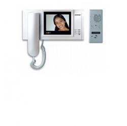 Descriere: Videointerfoane color pentru 1 familie Commax